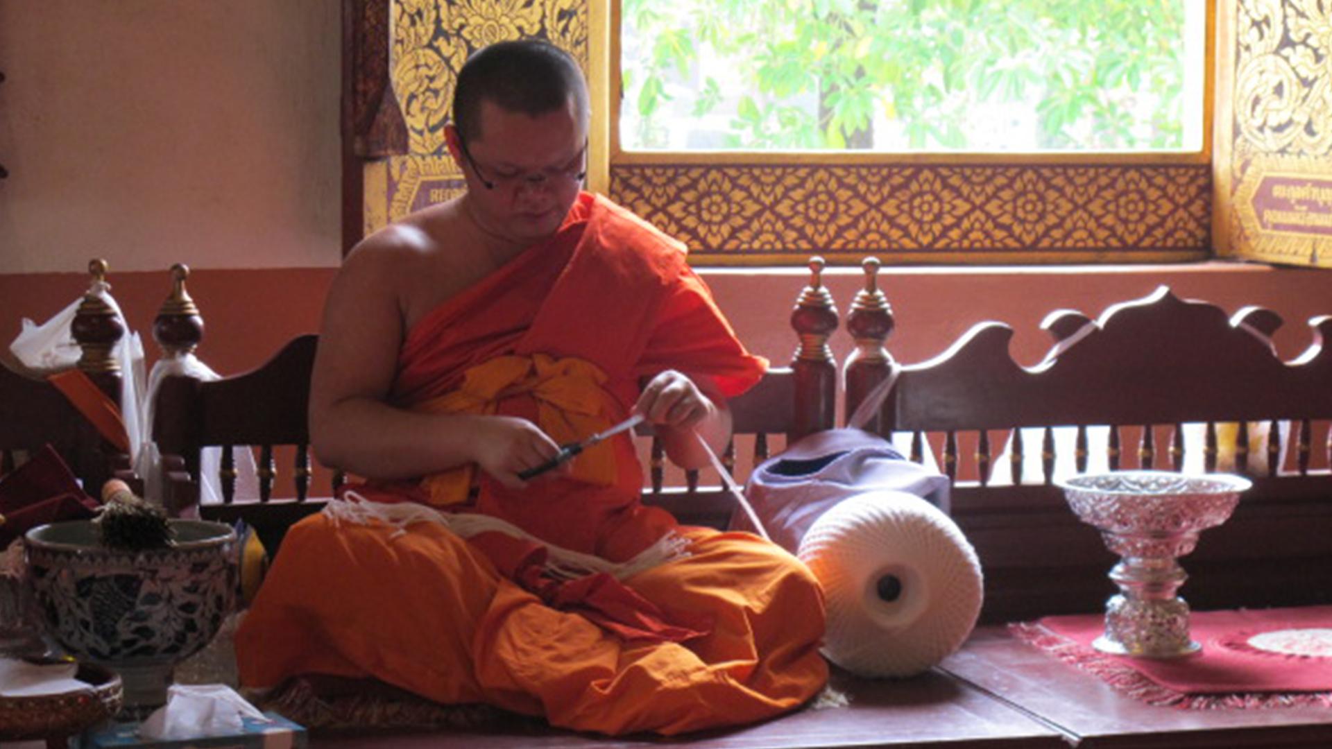 Monaco al monastero del Buddha Leone